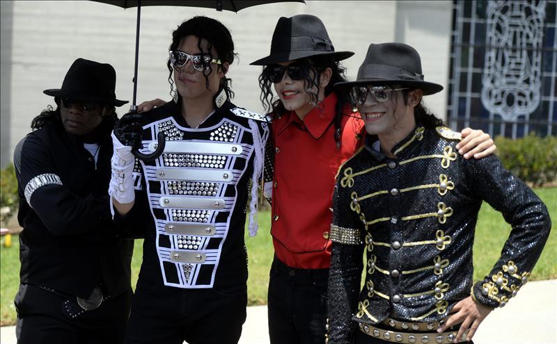 Fans De Michael Jackson Le Rinden Tributo Cinco Anos Despues De Su