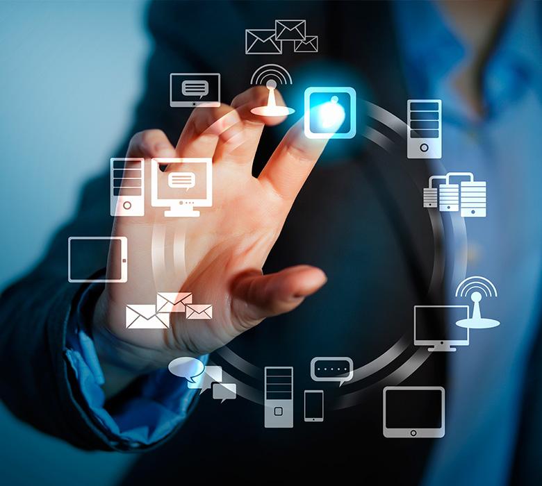 An Introduction To The House: Avances Tecnológicos Y Medios Digitales De Información; El