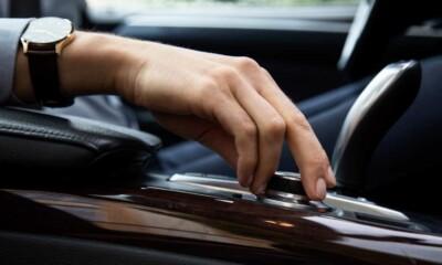 sistema multimedia del auto