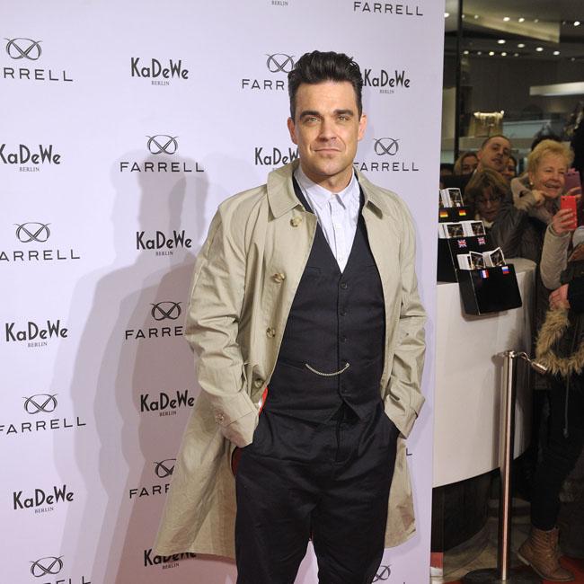 Robbie Williams fracasa en el mundo de la moda