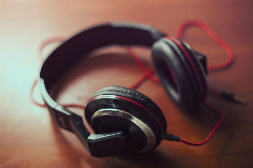 1428070442_headphones_407190_1280