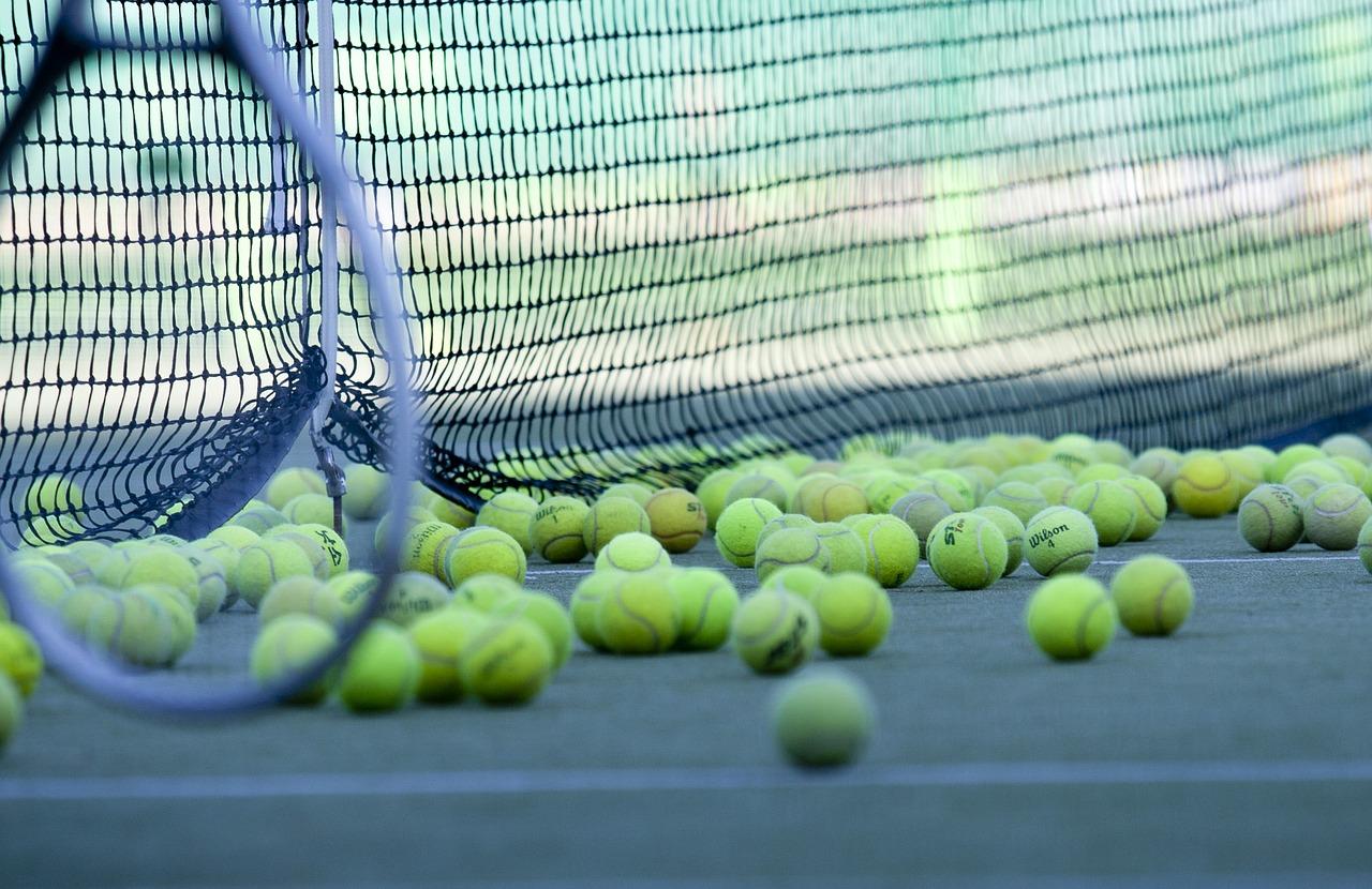 tennis-2100437_1280
