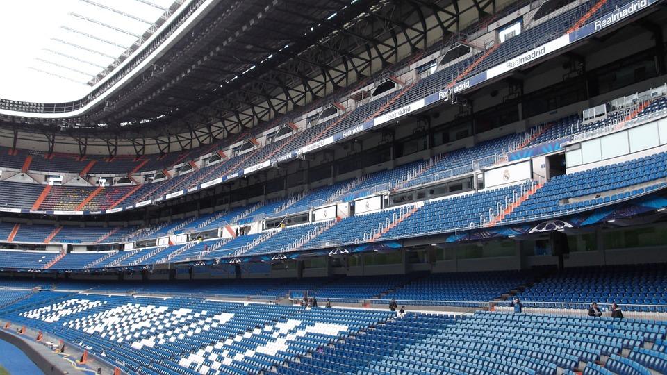 stadium-300610_960_720