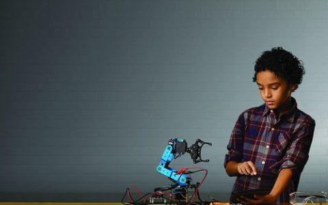 1568619699_Robot2.jpg_3_