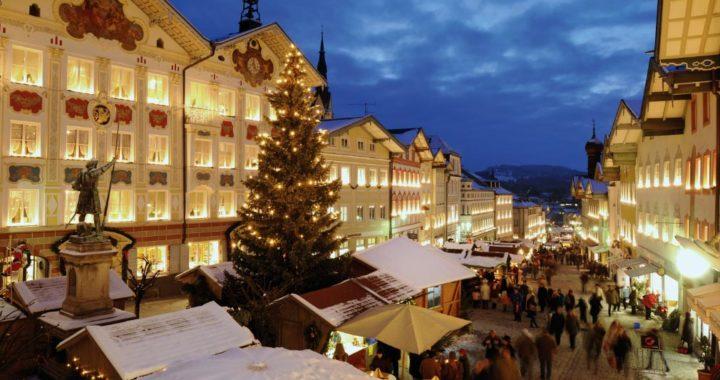 El mercado de Navidad es hermoso para visitar del 22 de noviembre al 24 de diciembre. Foto: Haderlein, Petzl, Schnitzer/Stadt Bad Tölz/dpa-tmn
