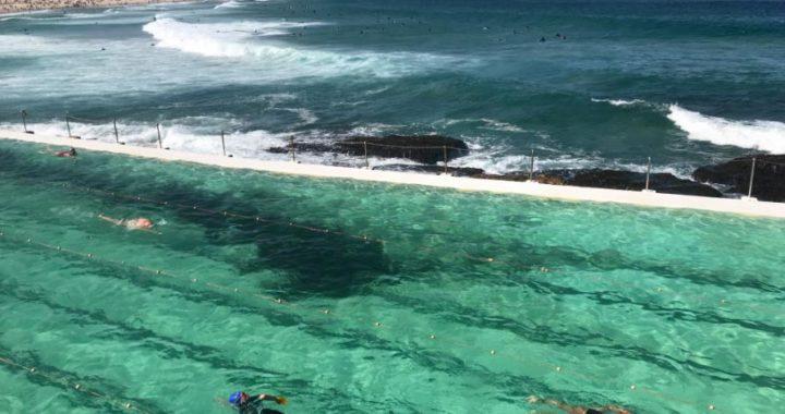 """La piscina de agua de mar """"Icebergs"""" en la playa de Bondi Beach es una de las piscinas más famosas del mundo. Foto: Christoph Sator/dpa"""