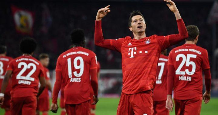 Robert Lewandowski festeja su primer gol contra el Dortmund en el estadio del Bayern Múnich. Foto: Sven Hoppe/dpa