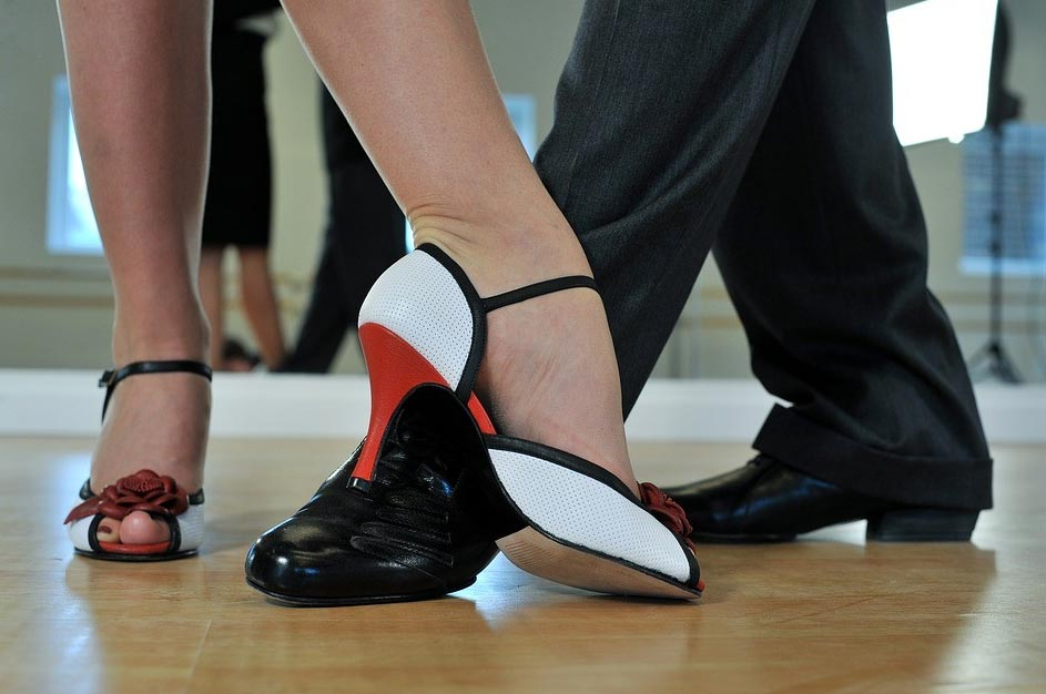 tango-14490611