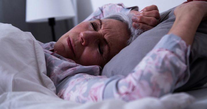 Los dolores crónicos o las enfermedades pueden disminuir la calidad del sueño. Foto: Christin Klose/dpa-tmn