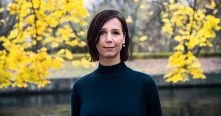 Anne Weiss vive una vida minimalista y ha escrito un libro sobre ello. Foto: Laura Drosse/dpa-tmn