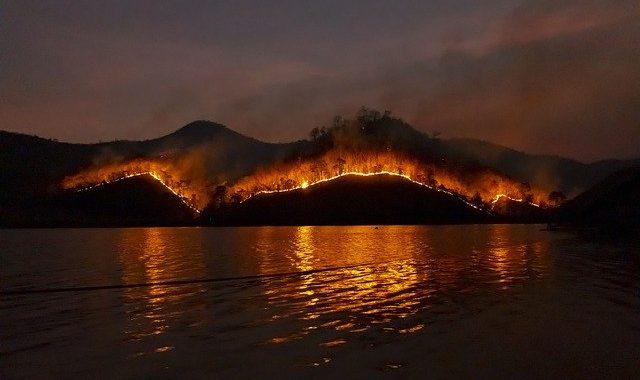 wildfire-4755030_640