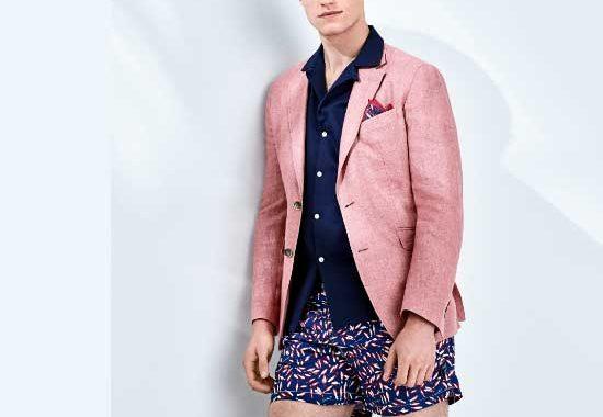 Las combinaciones de traje corto son populares para el verano. Además, los tonos pastel están de moda, también en esta propuesta de Hackett. Foto: Hackett/dpa-tmn