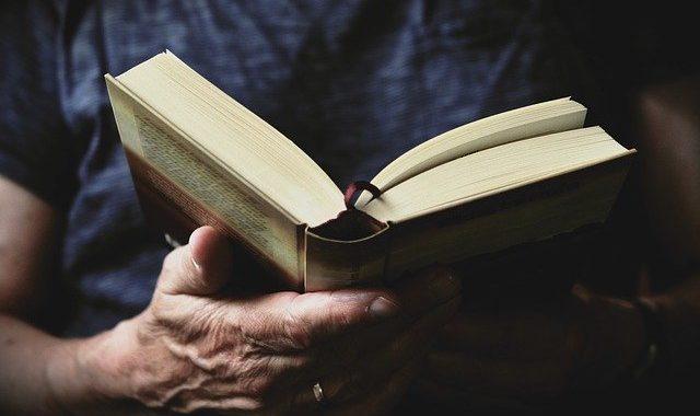 book-3531412_640
