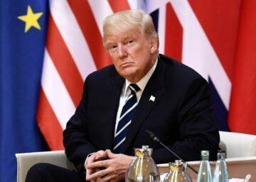 Museo de Cera de Londres viste a Trump de golfista